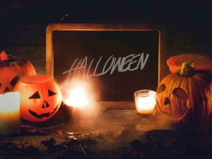 6 Fun Things for Couples to Do on Halloween
